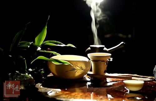 菩提树下把茶话